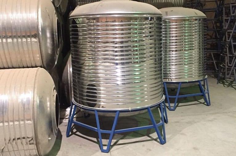 خزانات مياه جديدة ومستعملة للبيع  الامارات
